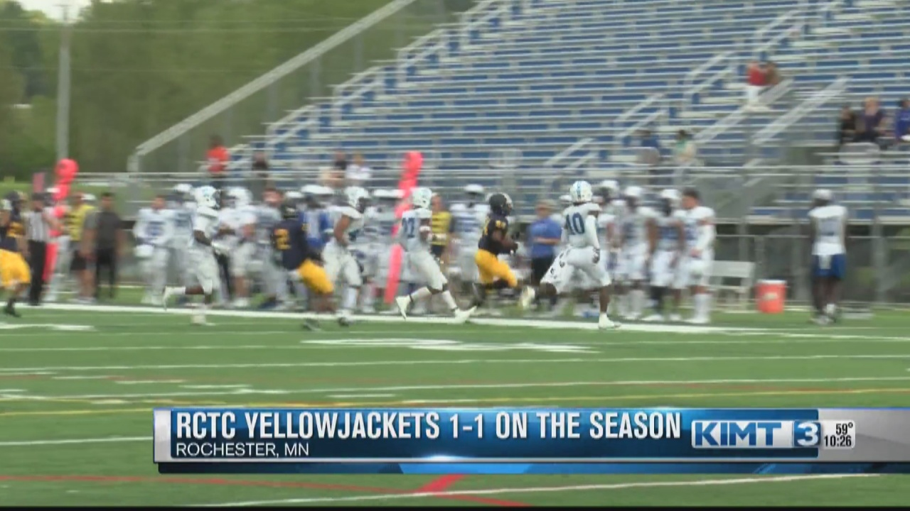 Image for RCTC Yellowjackets football team is 1-1 on the season