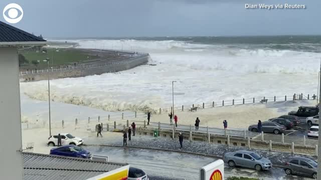 WOW: Sea Foam Washes Into Cape Town, South Africa