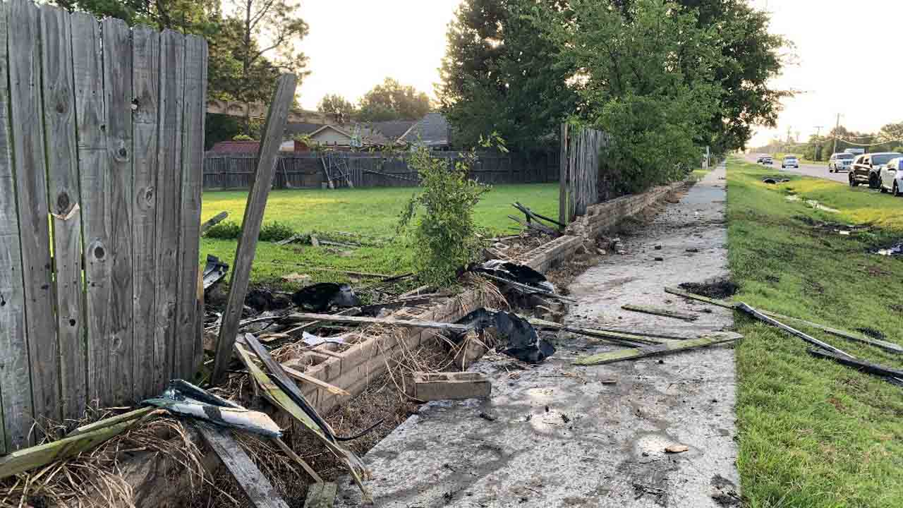 Tulsa Police Respond After Driver Crashes Into Fence Flees Scene On Foot