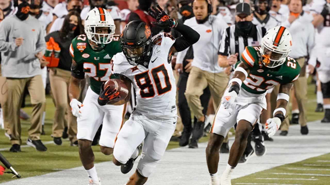 Oklahoma State Holds Off Miami To Win The Cheez-It Bowl 37-34