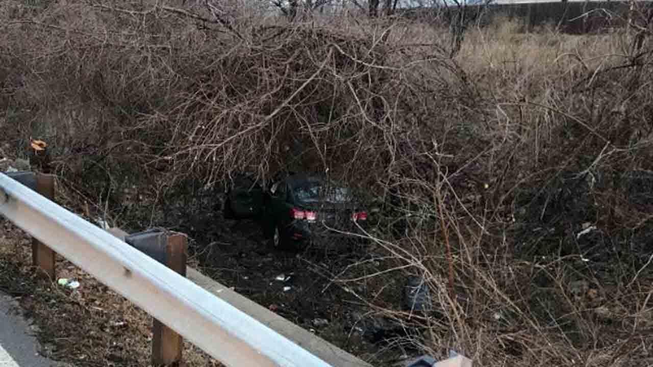Crash Closes Lewis Near 85th Street