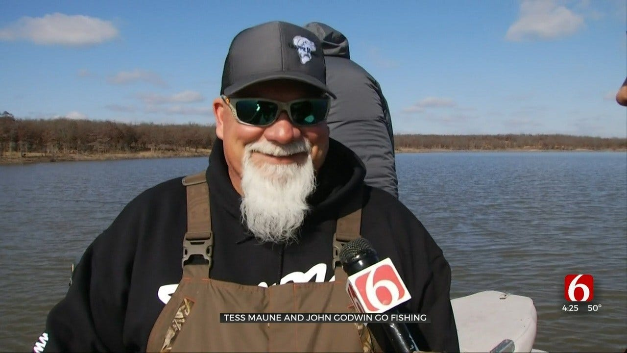 Tess Maune Fishes With John Godwin From Duck Dynasty