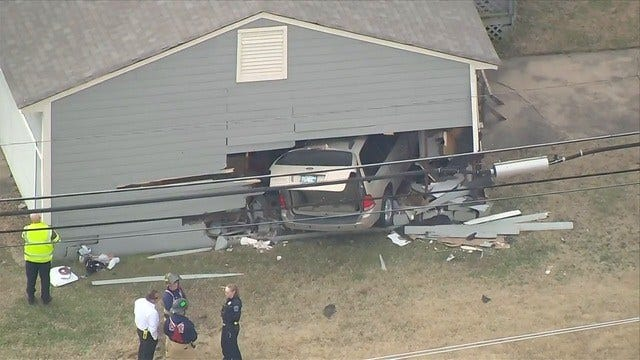 WATCH: Van Crashes Into Tulsa Home