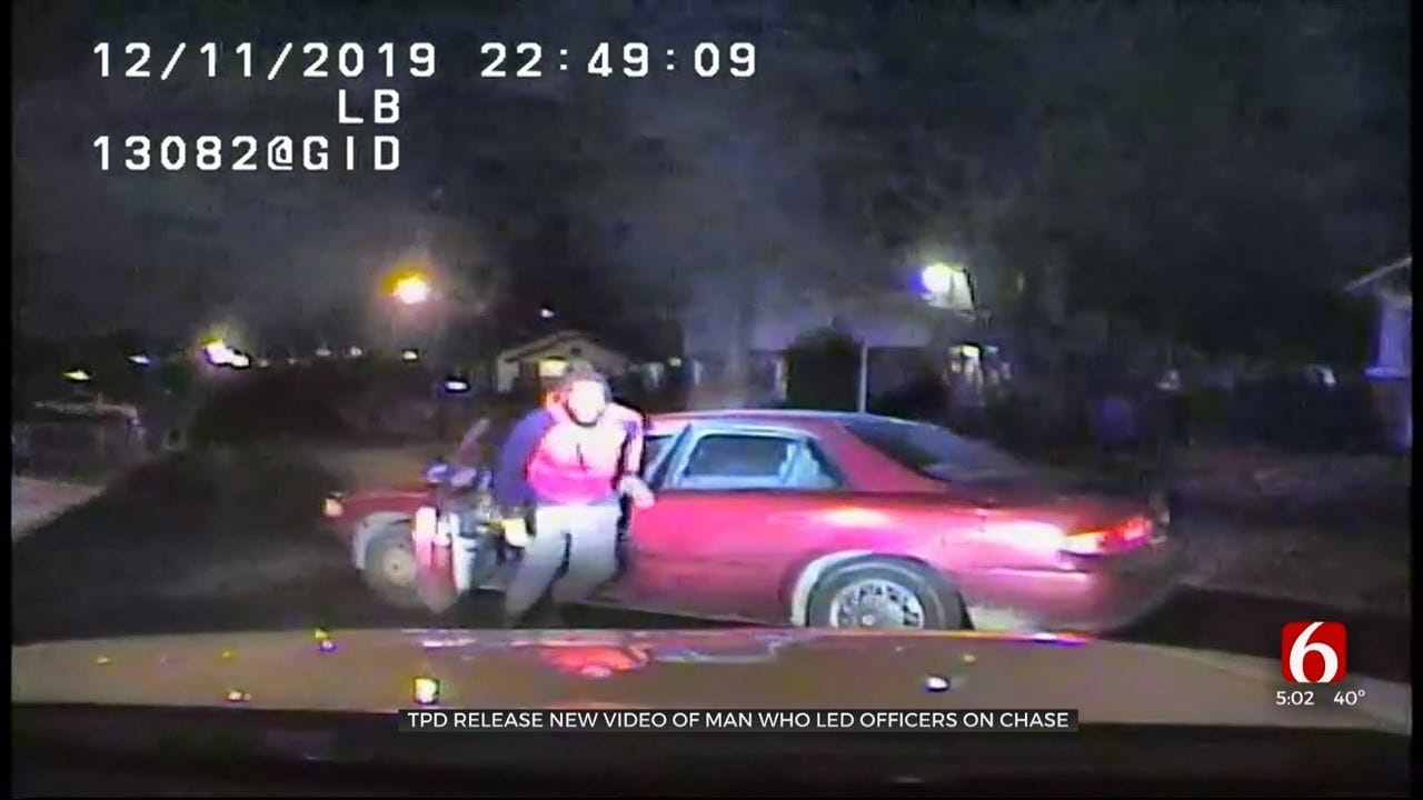 Police Video Shows Convicted Felon Running From Tulsa Police