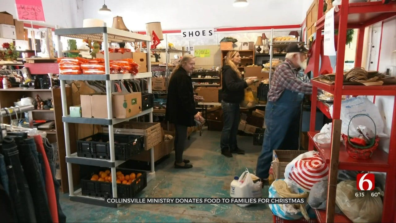 Collinsville Store Gives Away Groceries On Christmas Eve