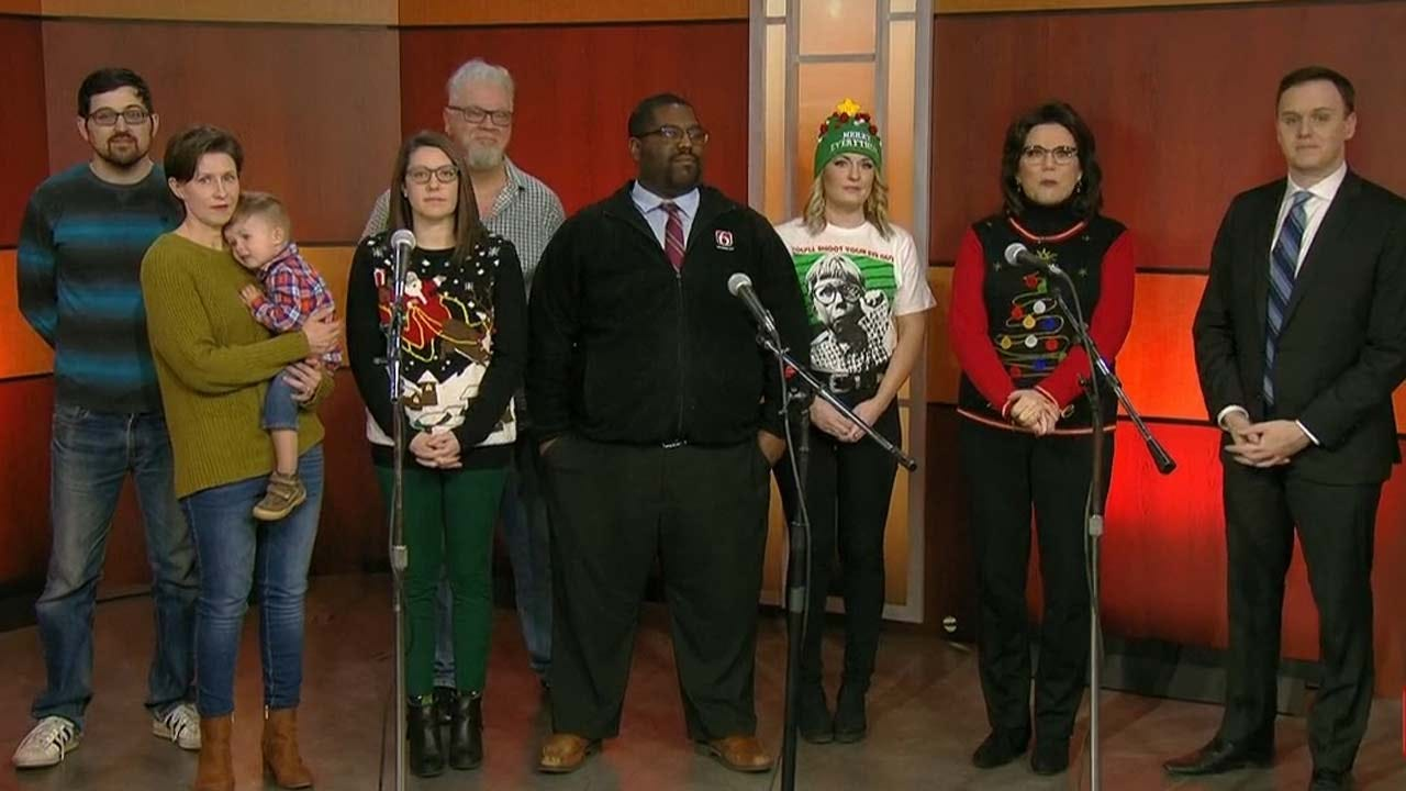 6 In The Morning Carolers: O Come, All Ye Faithful, Rudolph, & More