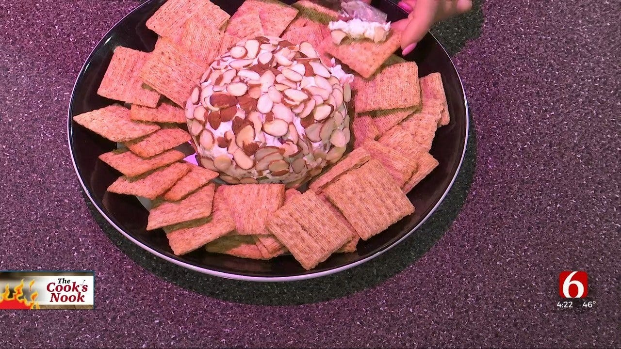 Amber & Brooks In The Kitchen: Cranberry Bacon Cheese Ball