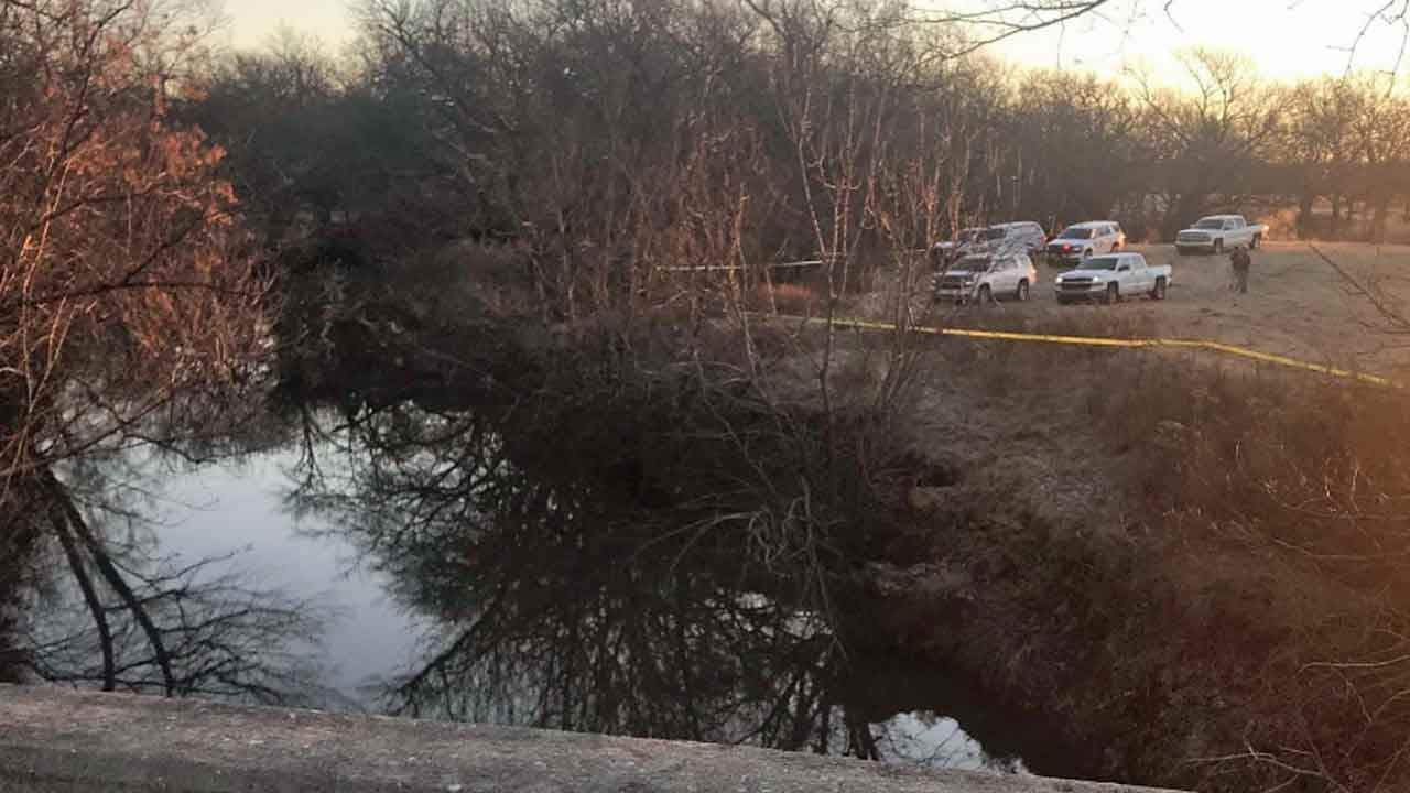 UPDATE: 1 In Custody, 1 Dead After Chase Ends In Rogers County