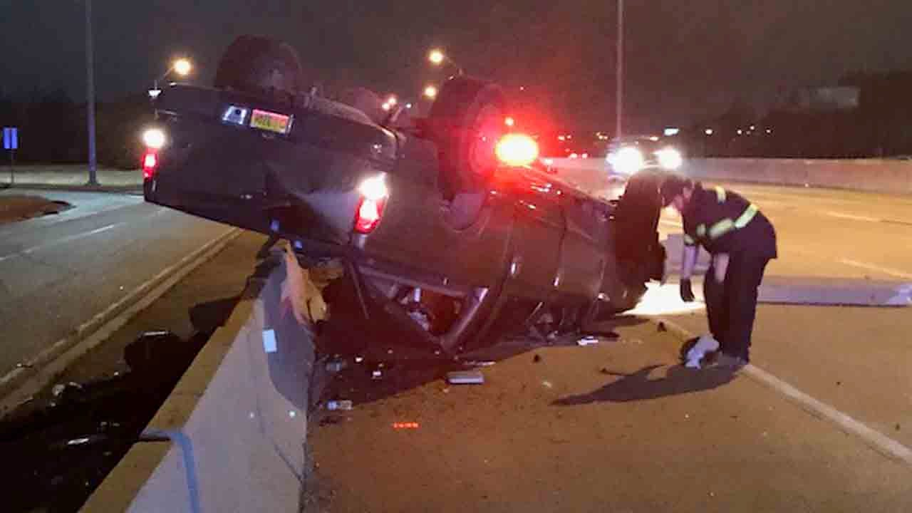 Tulsa Police Search For Driver After I-44 Rollover Crash