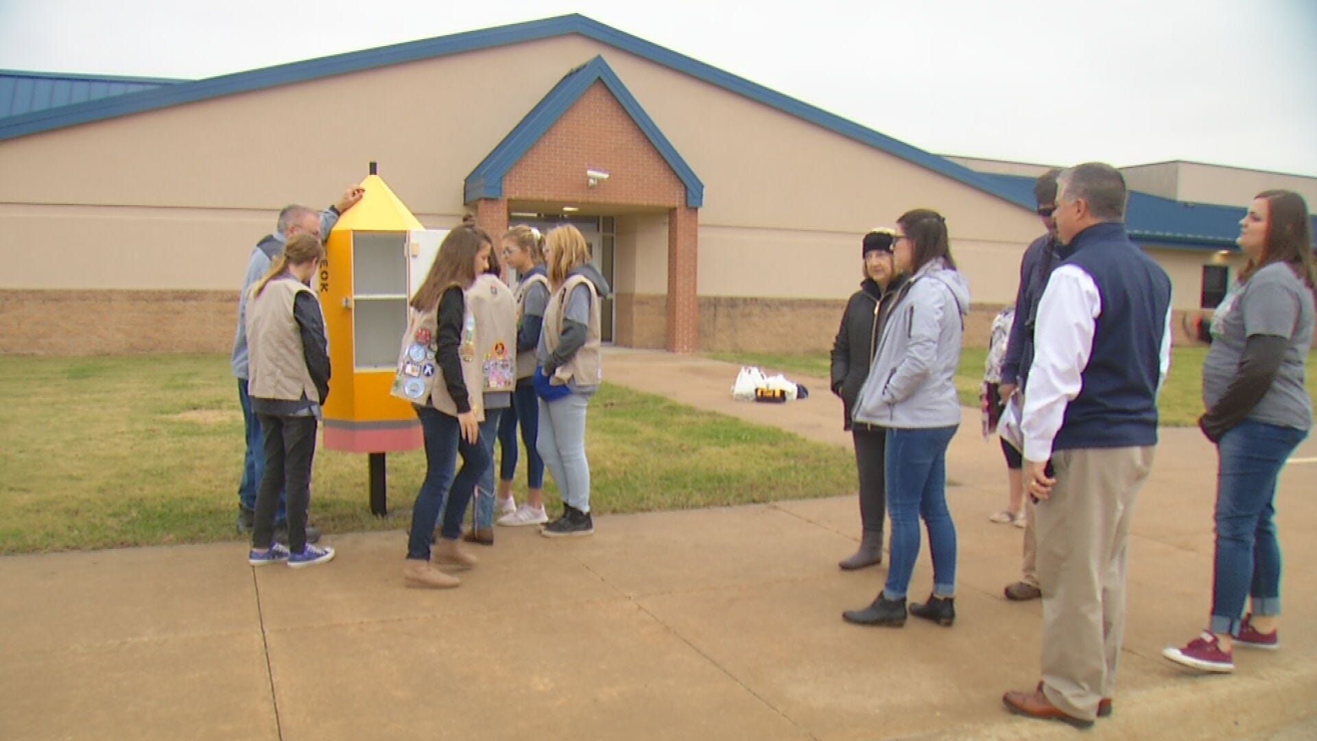 Girl Scout Troop Helps Sapulpa Students With School Supply Needs