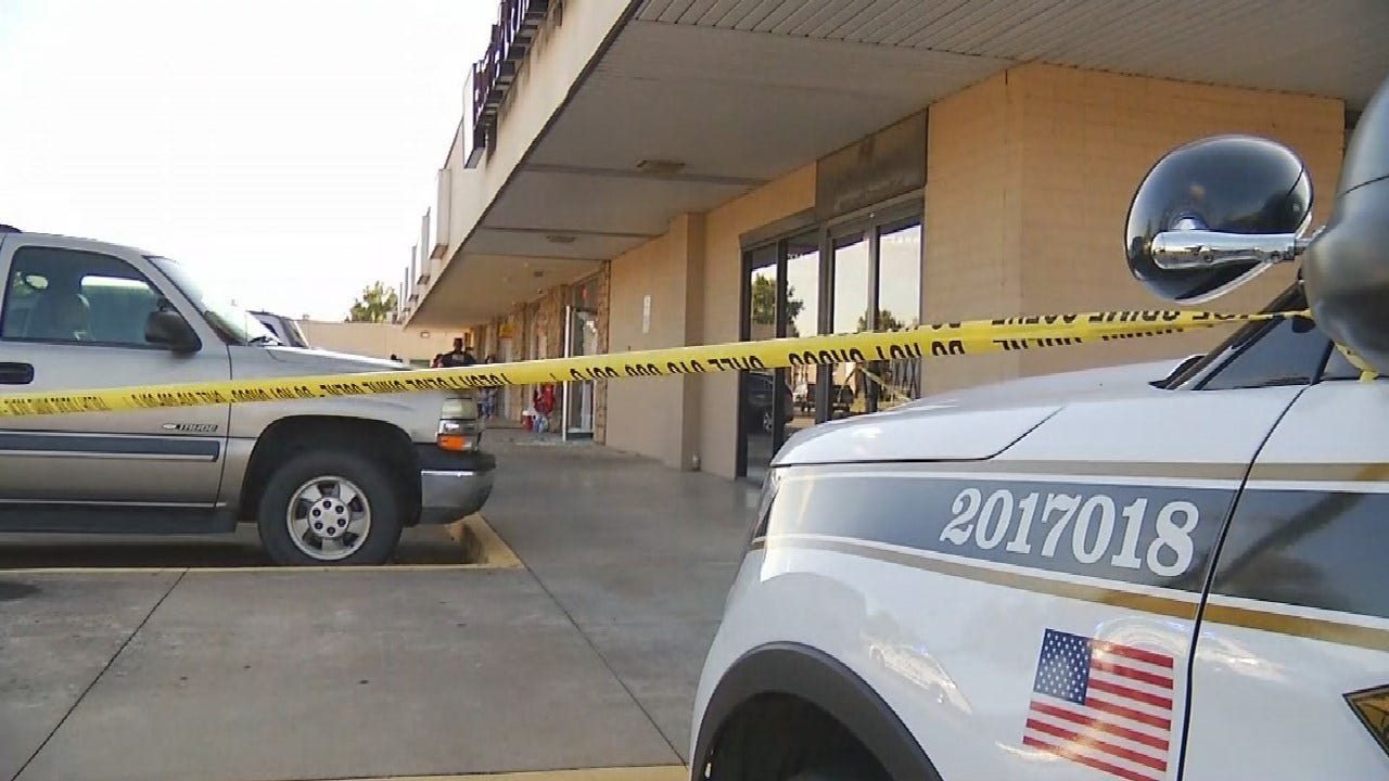 Woman Shot In The Hand During Armed Robbery At Tulsa Nail Salon