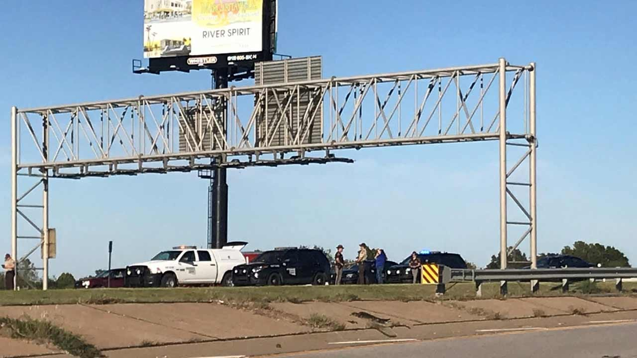 Fatal Collision Reported On I-44 In Tulsa