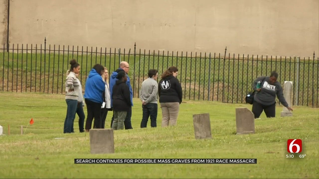TU Students Learn About Mass Graves Search At Oaklawn Cemetery