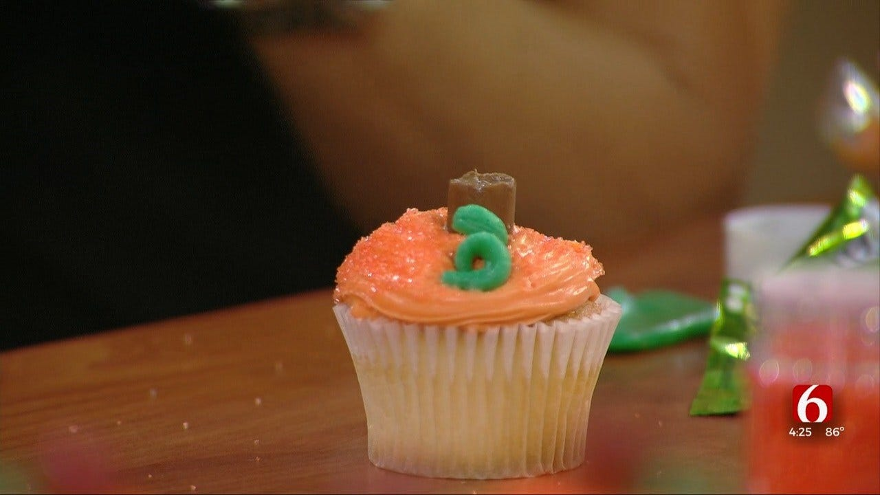 Pumpkin Themed Cupcakes With Courtnay Grider