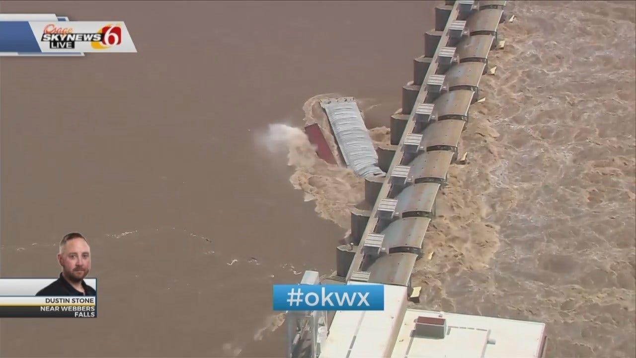 WATCH: Runaway Barges Crash Into Lock & Dam On Arkansas River