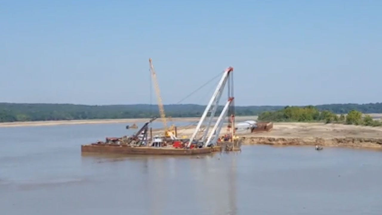 Second Barge Removed From Webbers Falls Dam