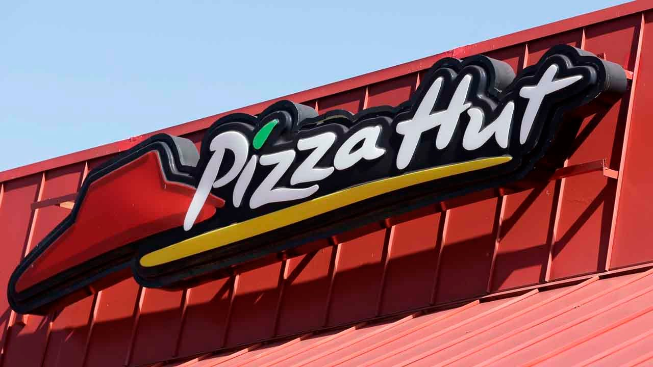Pizza Hut Closing Some Dine-In Locations