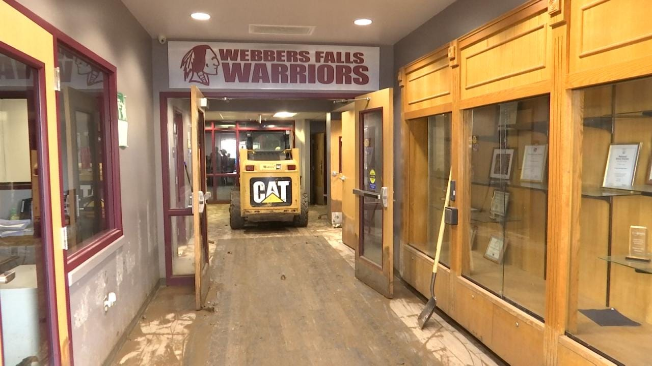 Student Athletes Support Their School After Flooding