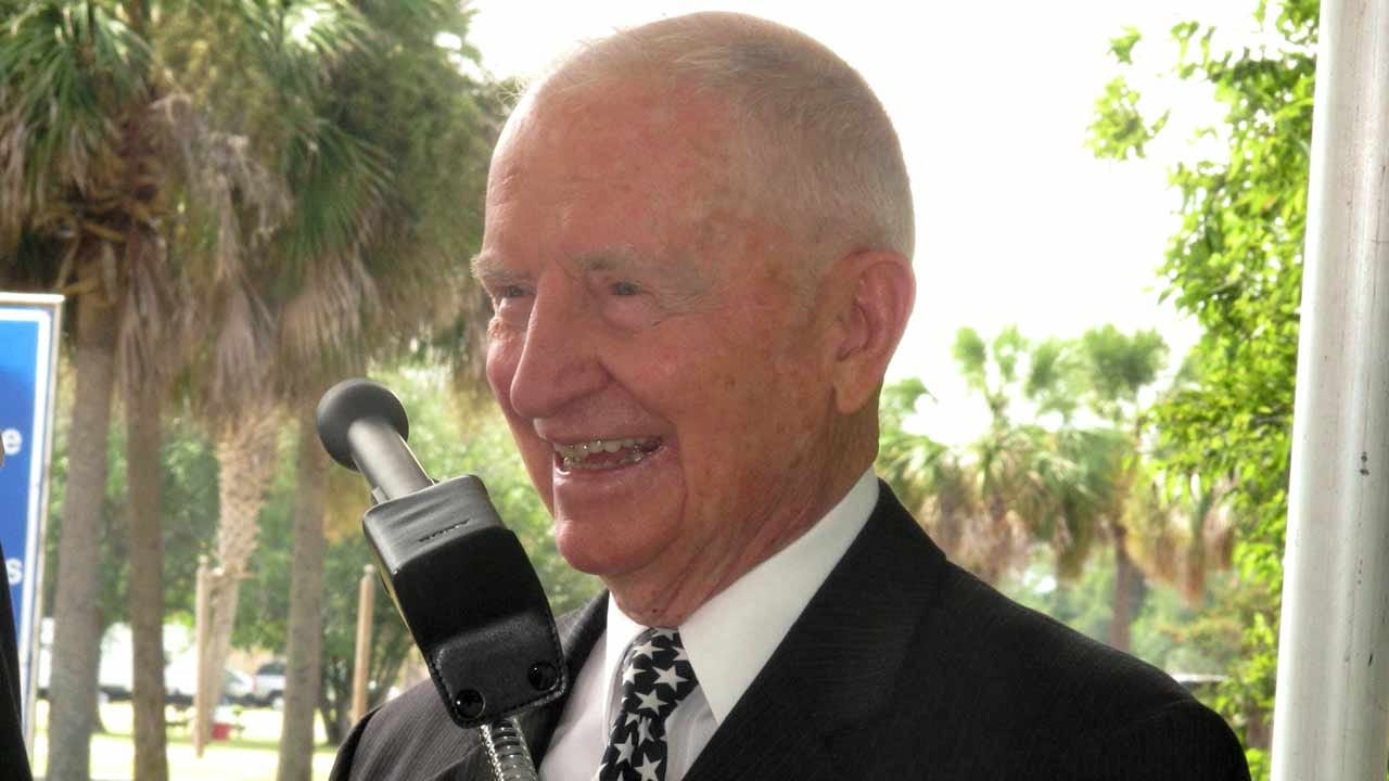 2-Time Presidential Candidate H. Ross Perot Has Died, Age 89