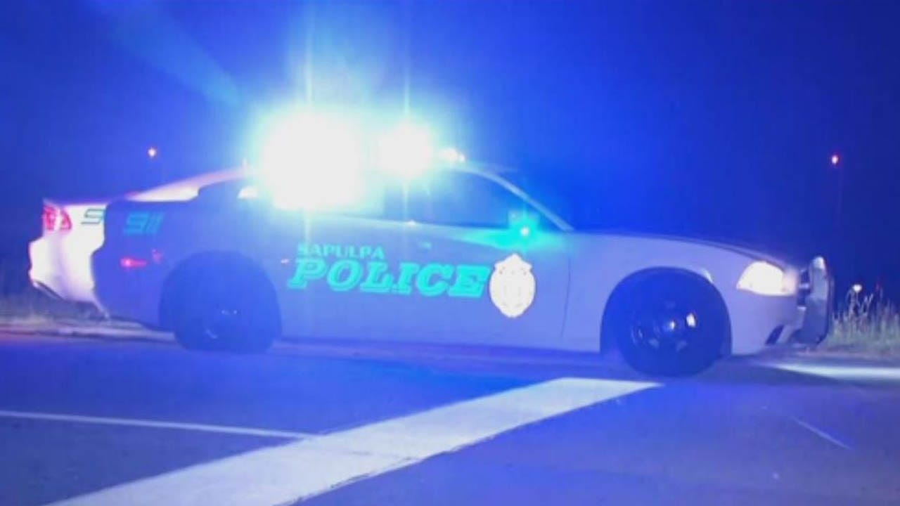 Police Search For Suspect After Chase Ends Near Creek Turnpike