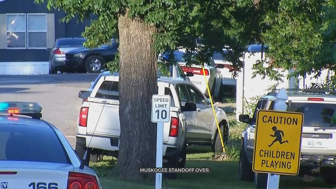 Muskogee Police Face Standoff In Trailer Park