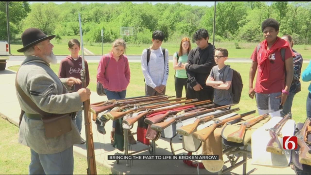 Civil War Reenactors Teach Broken Arrow Students - With A Boom