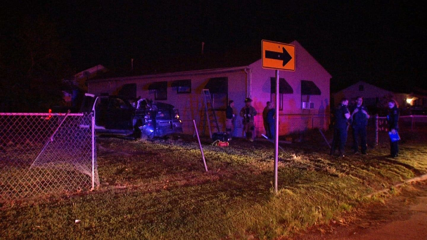 Police Chase Ends With Crash Into Tulsa Home