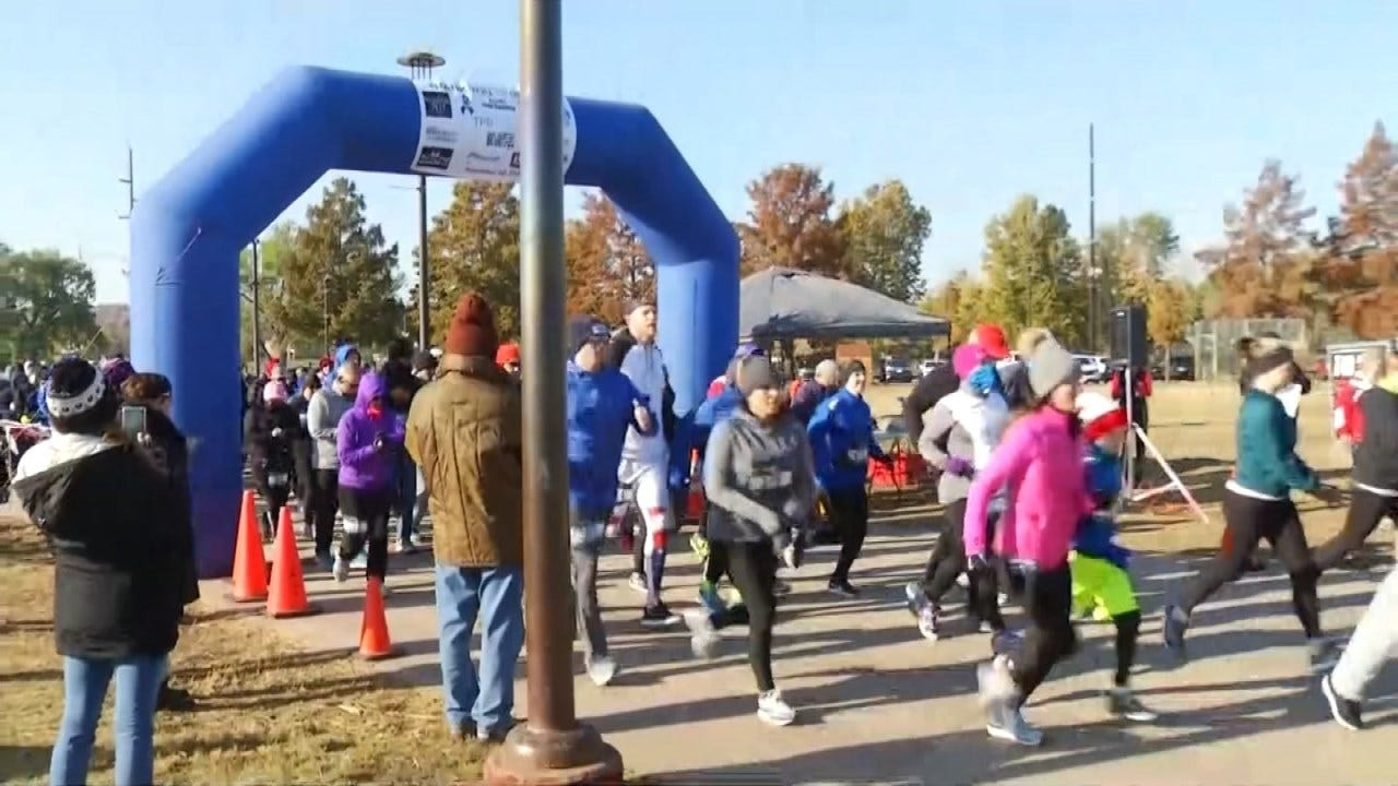 Runners Compete In 'Back The Blue' 5K Supporting Tulsa Police Foundation