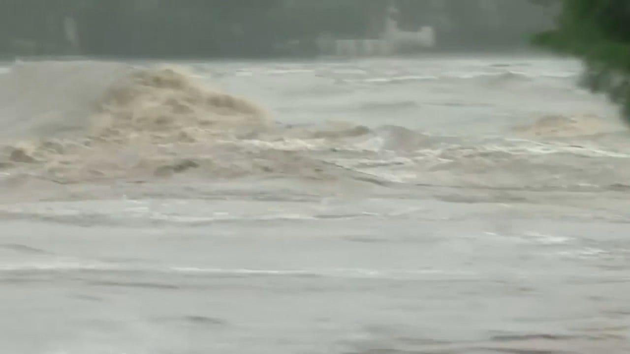 WEB EXTRA: CBS News Video Of Texas Flooding