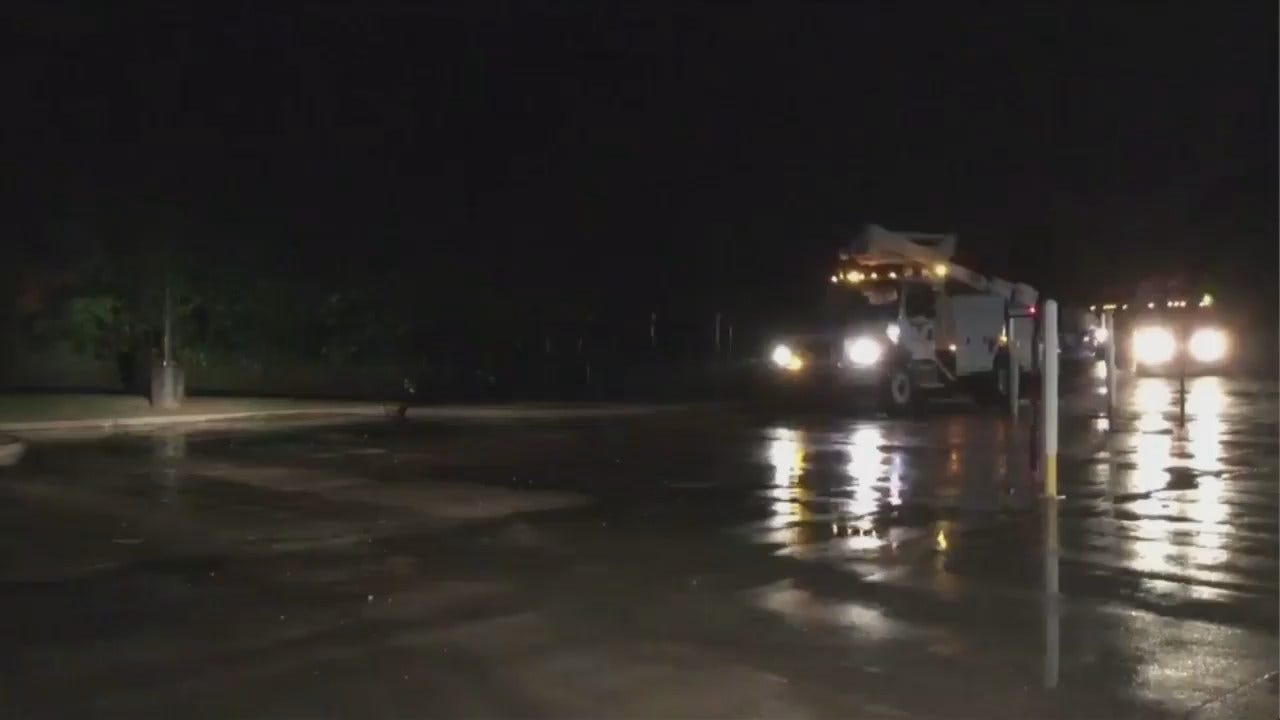 WEB EXTRA: Edmond Utility Workers Leave For Florida
