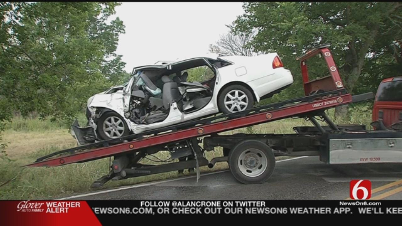Woman, 2 Children In Critical Condition After Crash In East Tulsa