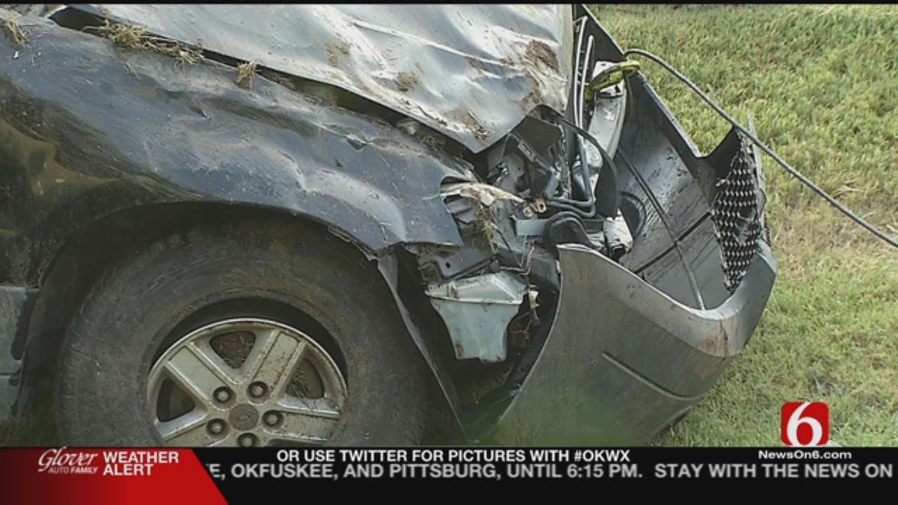 One Dead After Rollover Crash In Rogers County