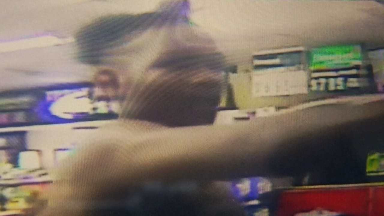 Armed Robbery At Tulsa Convenience Store Caught On Camera