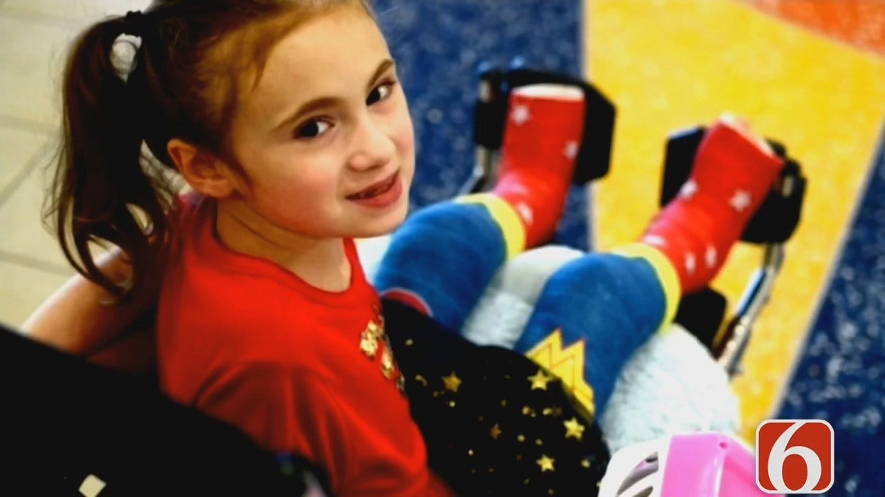 Tess Maune: Oklahoma Girl With Rare Bone Disease Designs Super Hero Casts