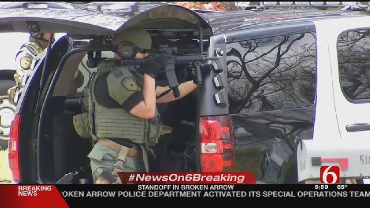 Broken Arrow Police In Standoff With Kidnapping Suspect
