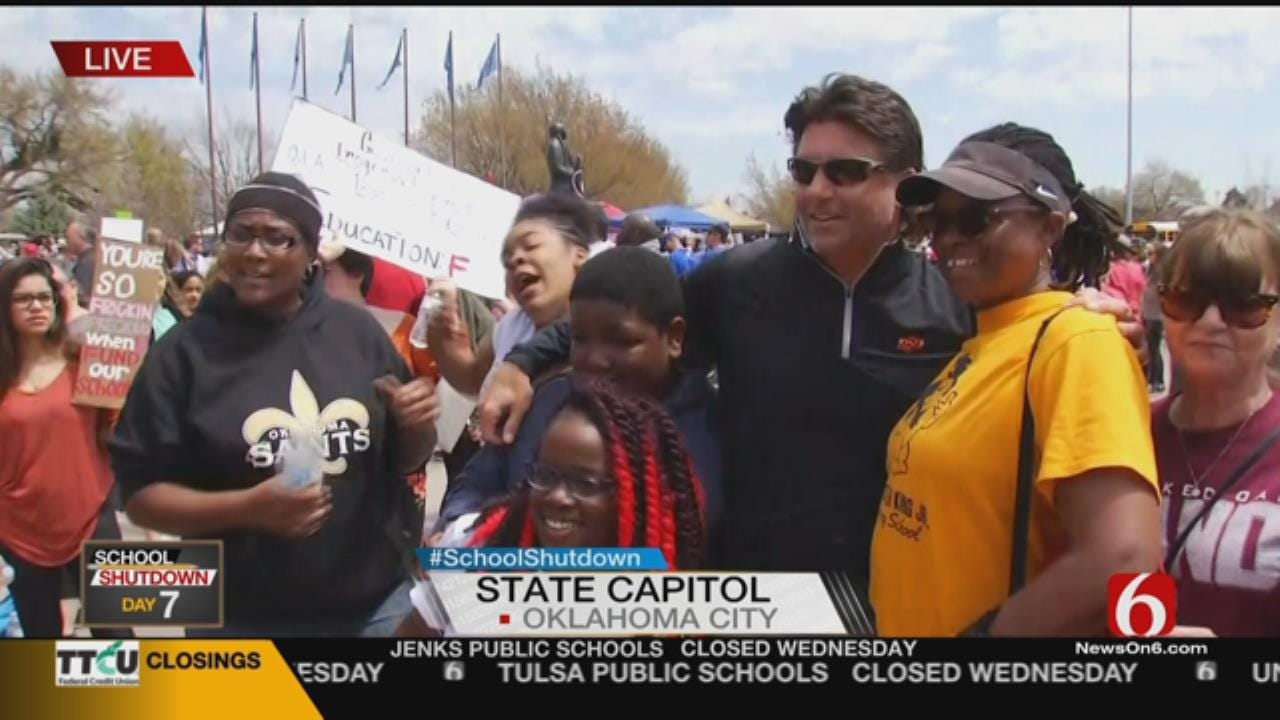 Mike Gundy Goes To Capitol To Support Teachers