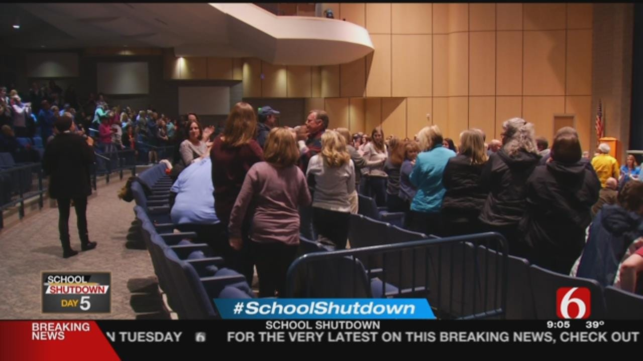 Bartlesville Schools To Continue Walkout Monday