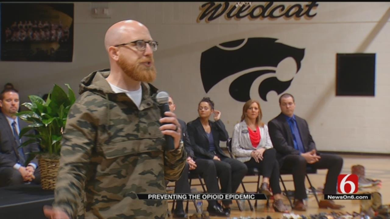 Assembly Shows Salina Students Dangers Of Painkiller Addiction