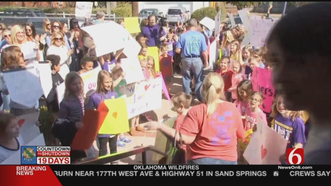 Tulsa Elementary Students Support Teachers In Walkout