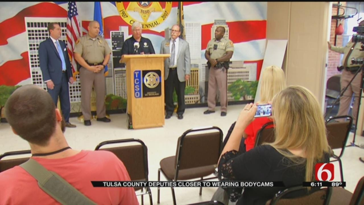 Tulsa County Sheriff's Office Receives Donation To Help With Body Cameras