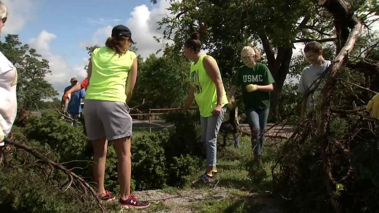 Copan Teachers, Students Use Off Day To Clean Up After Recent Storms