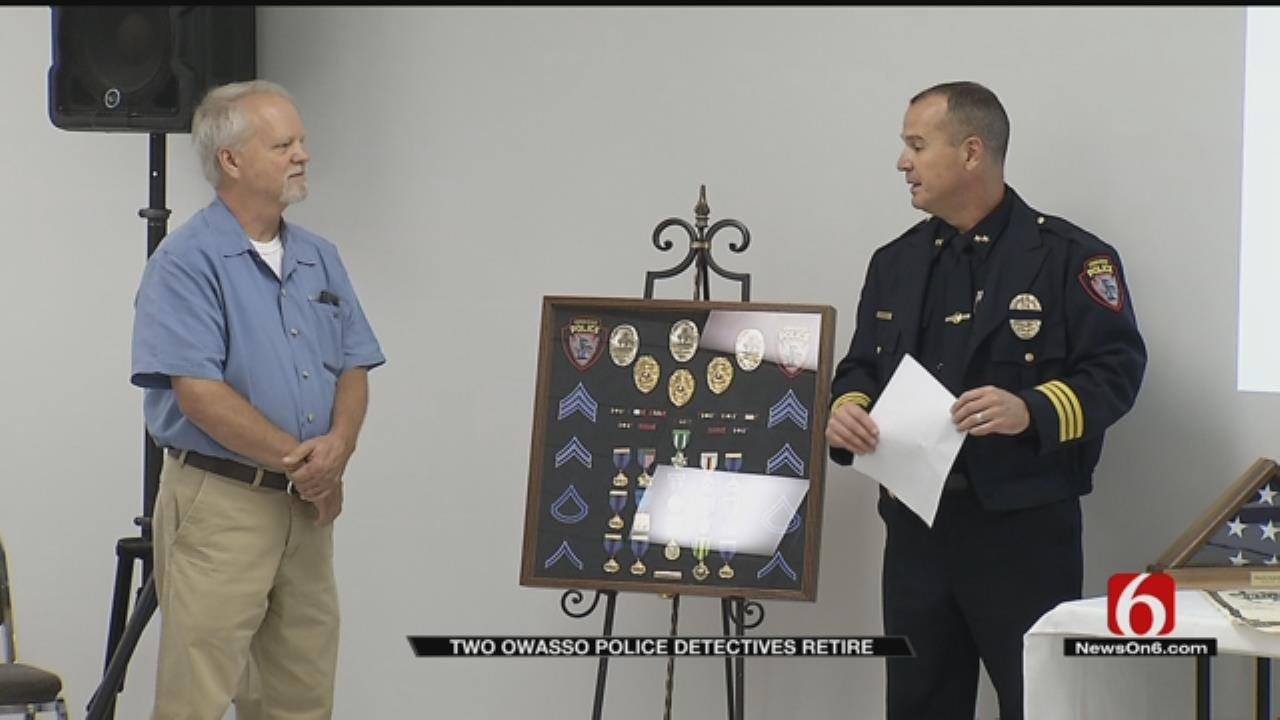 Two Long-time Owasso Officers Retire