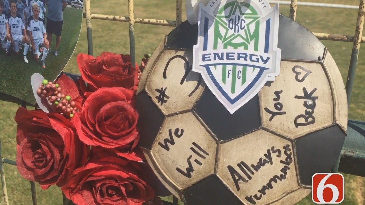 Amy Slanchik: Memorial For Jenks Crash Victims Continues To Grow