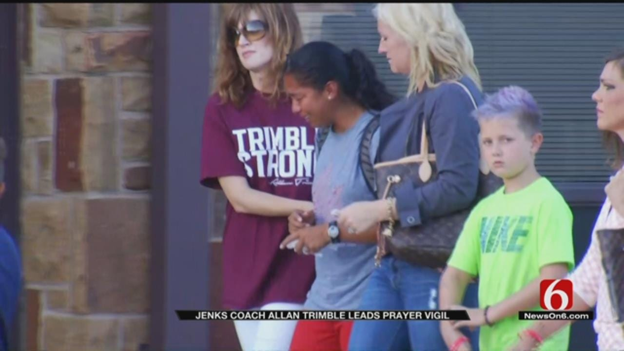 Hundreds Gather In Jenks To Pray, Remember Lives Lost In Crash