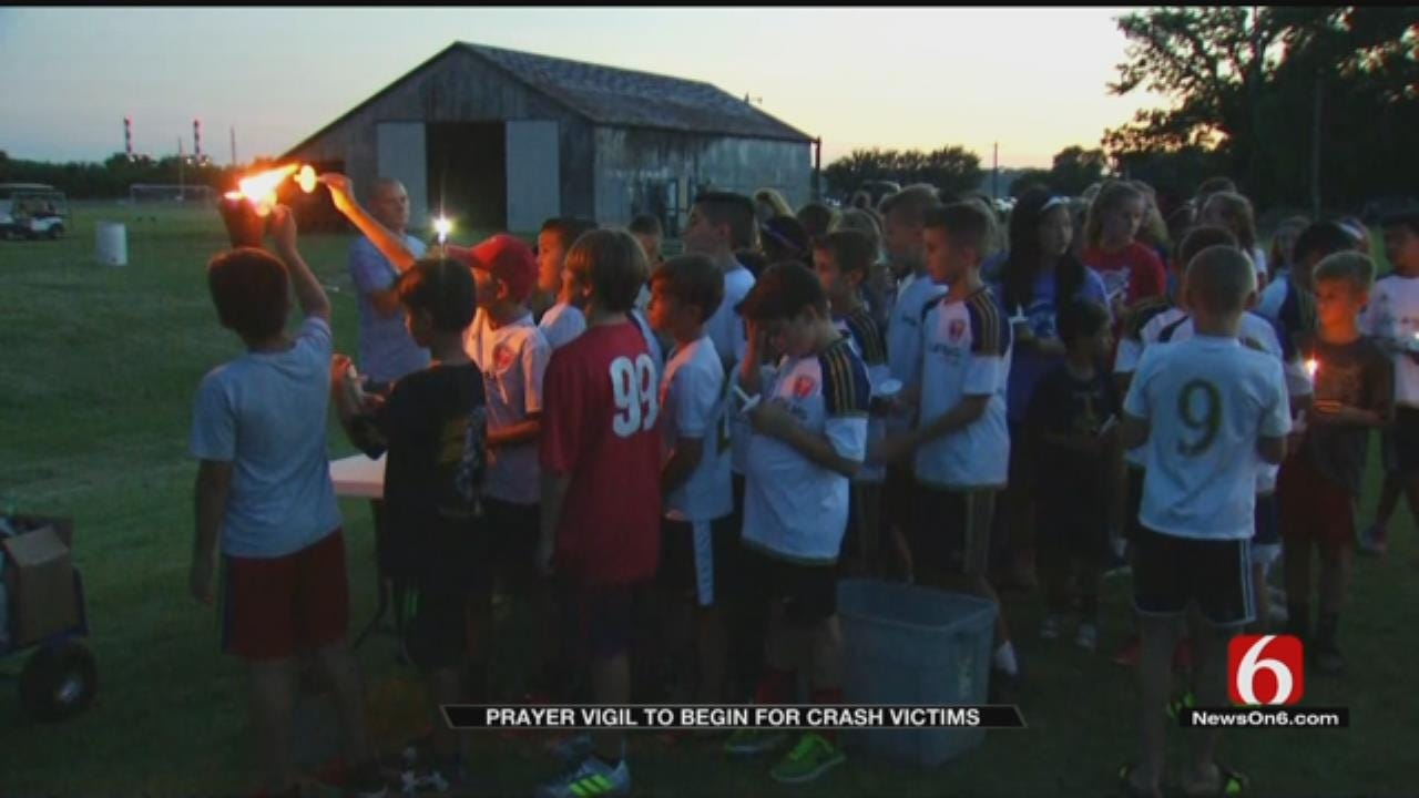 Jenks Community Remembers Lives Lost In Crash