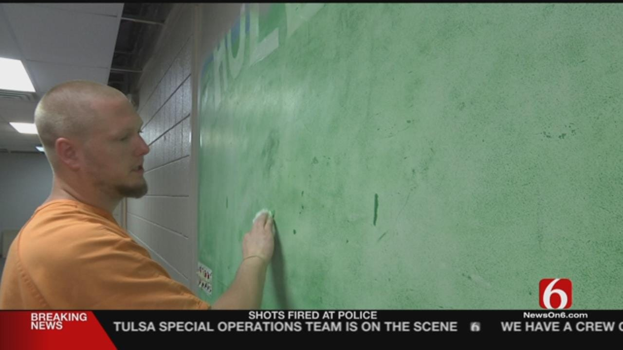 Rogers County Inmates Go To Work To Give Back