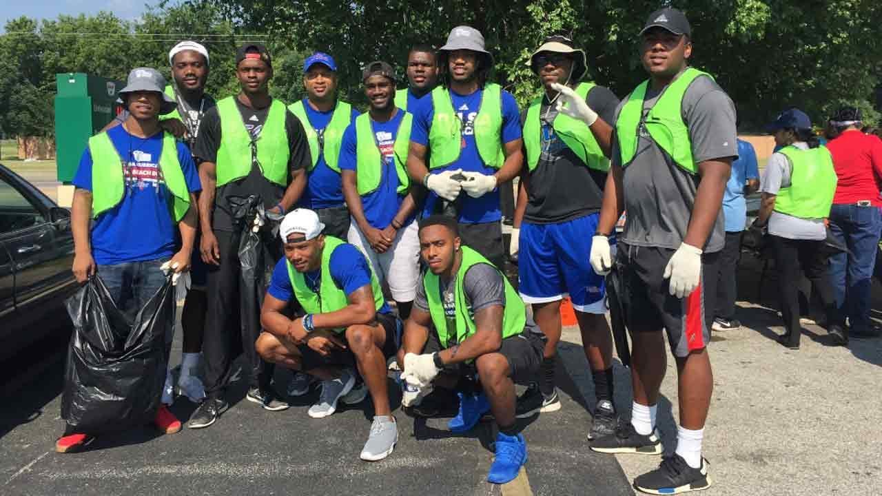 Tulsa Hurricane Football Comes Out For North Tulsa Community Service