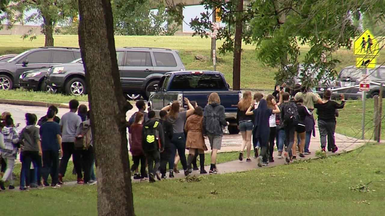 Tulsa Students March For Change After Betty Shelby Verdict