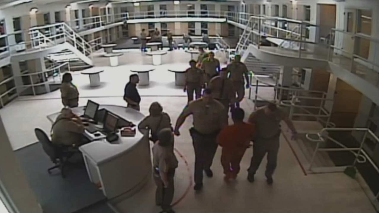 WEB EXTRA: Inmate Assaults Tulsa Detention Officer 1