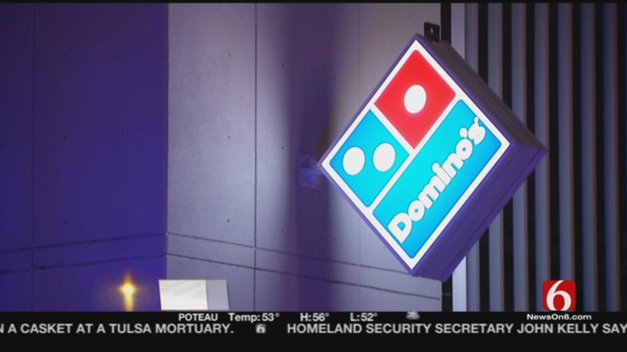 Man Holds Up Tulsa Restaurant Wearing Blanket, Demands Pizza